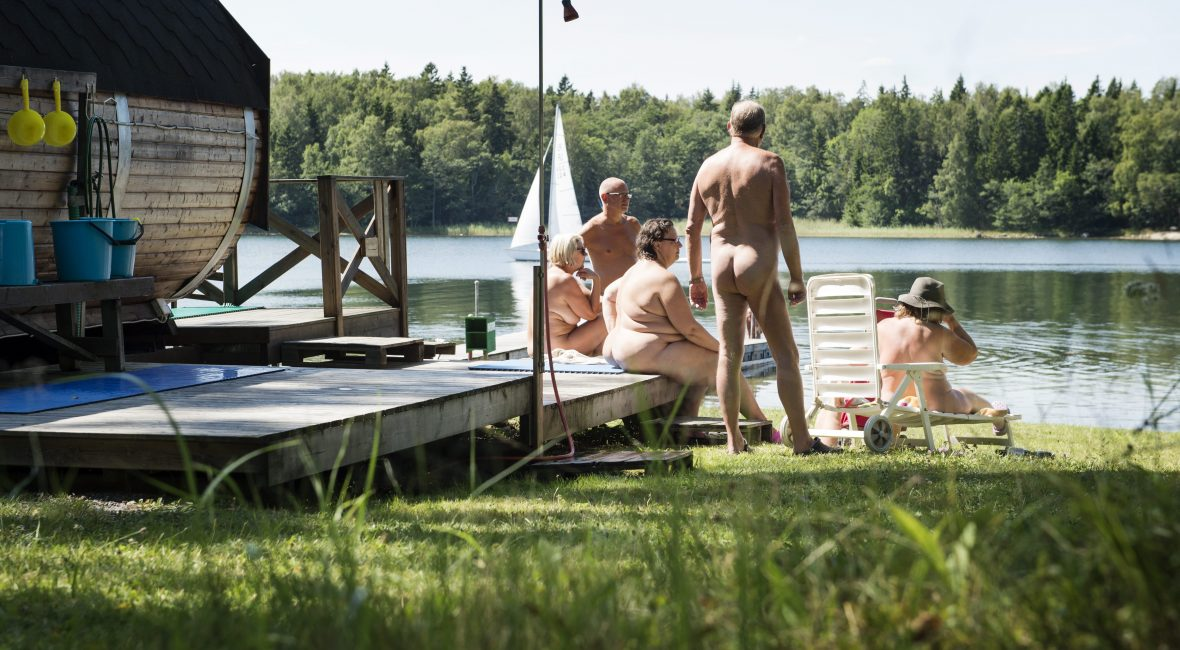 Naturist camping in Sweden Fv. Monicka, Jörgen, Annelie Kallio, Hans och Susanne. Skeppsmyra naturist camping and bath in Sweden. PLS NOTE: These people are naturists and may not be used to illustrate articles about nudists, nudes or sexuality! 2014-07-23 (c) TÄRNHUVUD ANNA  / Aftonbladet / IBL Bildbyrå  * * * EXPRESSEN OUT * * *  AFTONBLADET / 85705