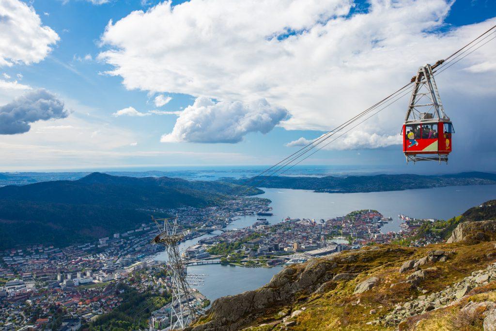 Ulriksbanen med Bergen i bakgrunnen. Foto: Bergen Reiselivslag / Espen Haagensen - visitBergen.com