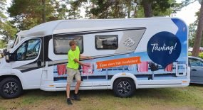 Miljonlotteriet på viktig turné med husbil från Knaus
